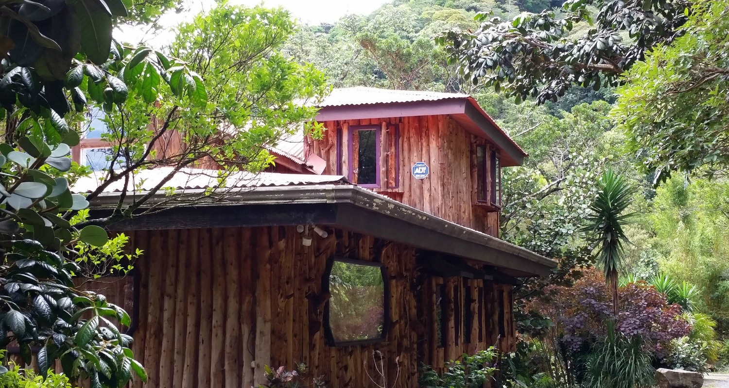 Vacation rental house monteverde treetop house for Vacation home rentals in costa rica